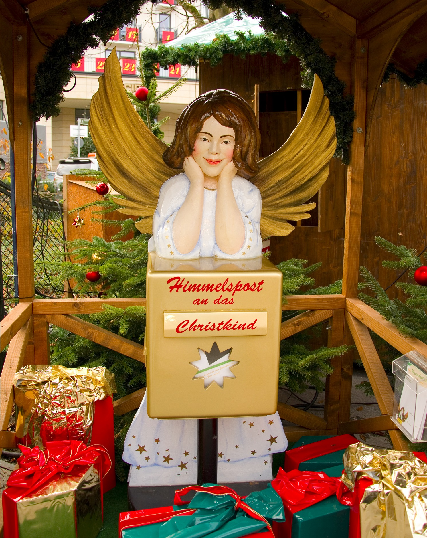 Correo del Cielo con el Christkindl en un mercadillo alemán