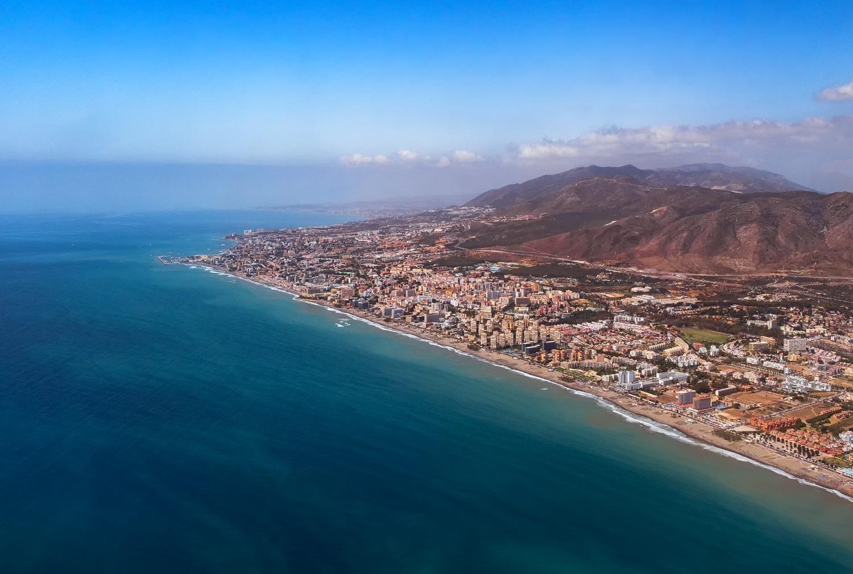 Vista aérea de la costa de Torremolinos, Benalmádena y Fuengirola