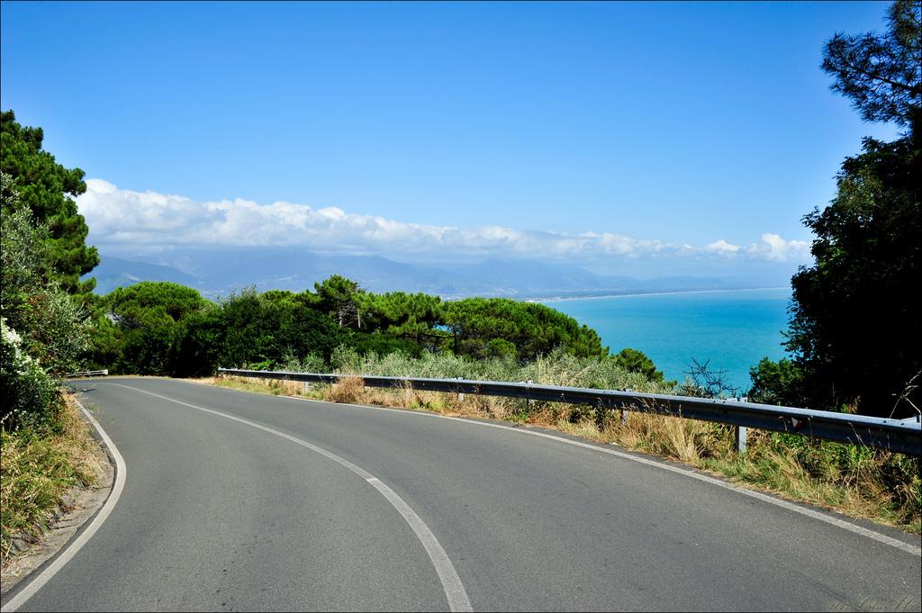 camino al mar vacaciones de verano