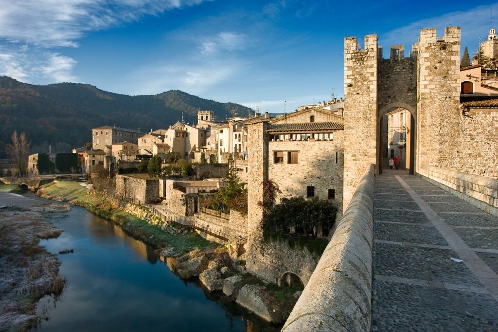Puente Medieval en Besalú,Girona