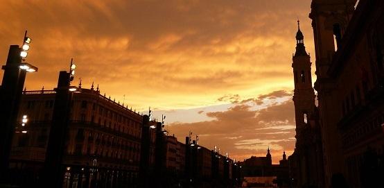 Zaragoza amaneciendo