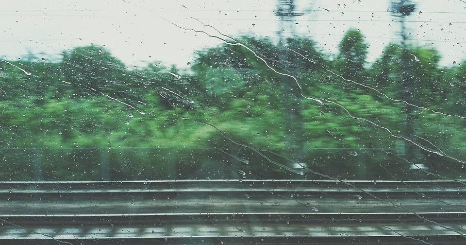 Viajar bajo la lluvia puede ser una maravilla