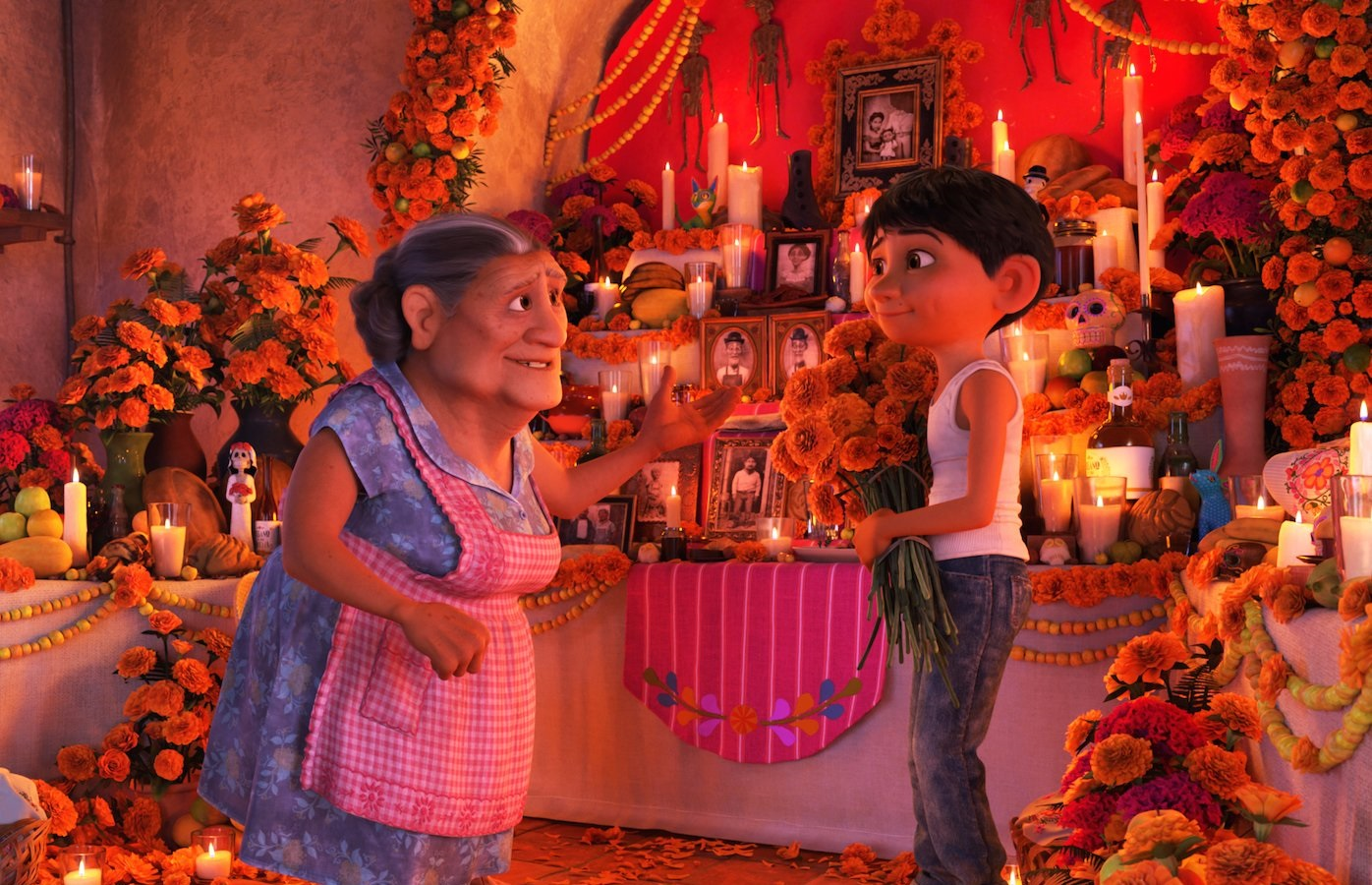 miguel abuelita ofrenda coco pixar movie