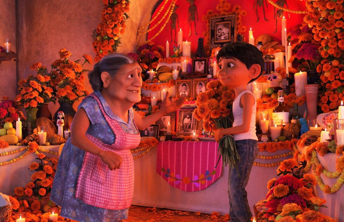 miguel abuelita ofrenda coco pixar movie